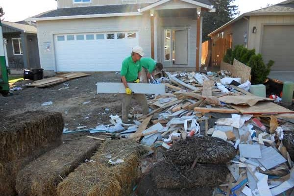 construction-debris-removal-before-600x400_c