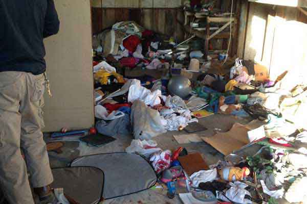 garage-clean-out-before